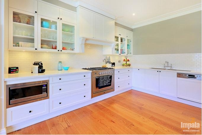 Hamptons kitchen on sydney s north shore featured in for Hampton style kitchen designs