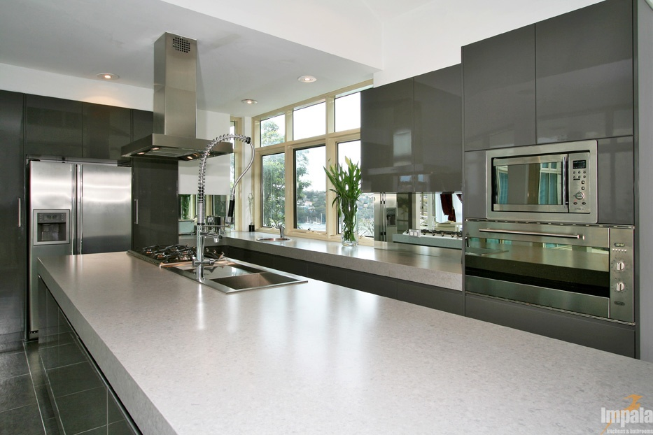 Contemporary island kitchen 4 for Contemporary kitchen colours