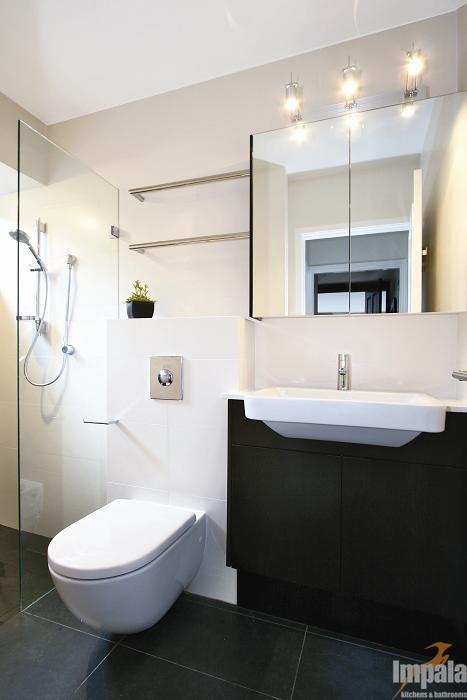 Contemporary Bathroom 6