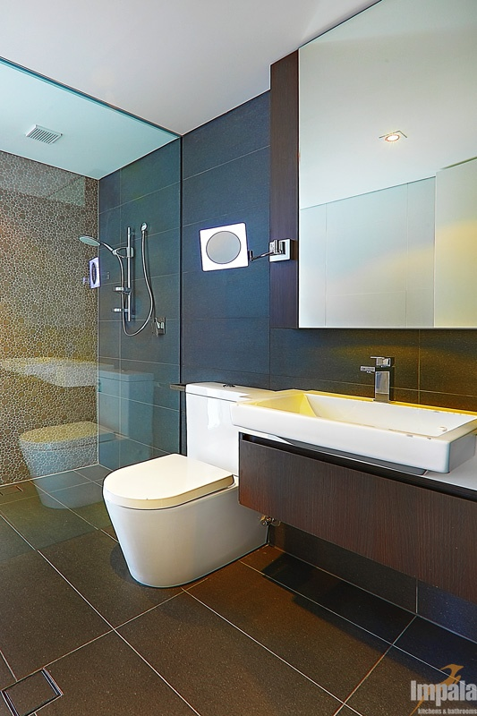 Luxury Bathroom 1