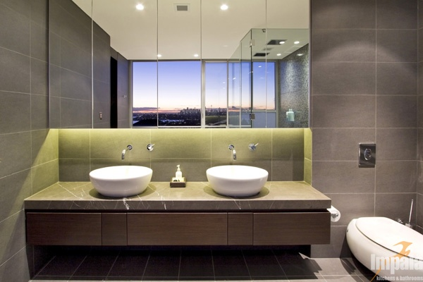 Modern bathroom 4 for Modern ensuite ideas
