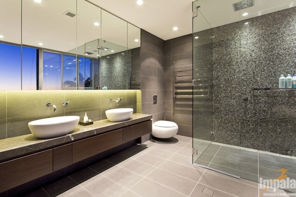 Modern bathroom 4 for Contemporary ensuite bathroom design ideas