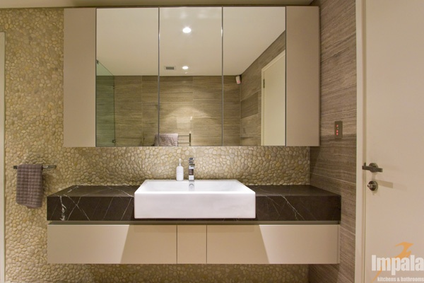 Modern bathroom 4 for Modern guest bathroom designs