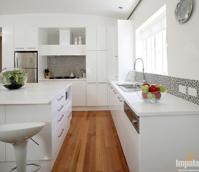 Dulux Vivid White Kitchen: ISLAND KITCHEN 5