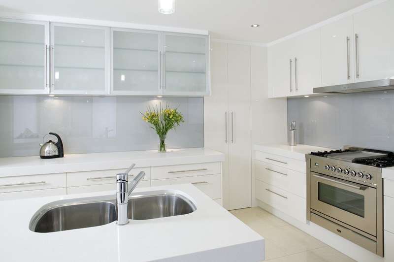What Are The Benefits Of A Glass Kitchen Splashback